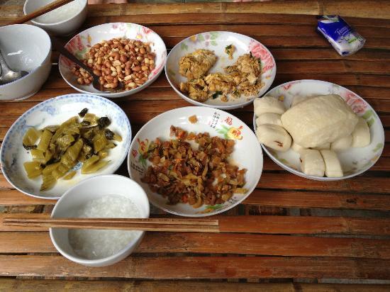 Weiqunlou Earth Building Hostel: Tasty authentic Hakka breakfast