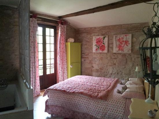 Moulin de Rocquebert: chambre rouge