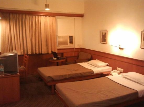 Hotel Skylon: Standard Deluxe Room