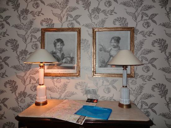 Hotel du Danube St. Germain: Room pic 2