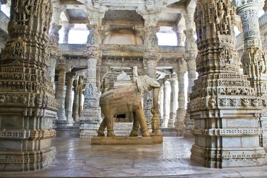 Ranakpur, India: Carved Pilars