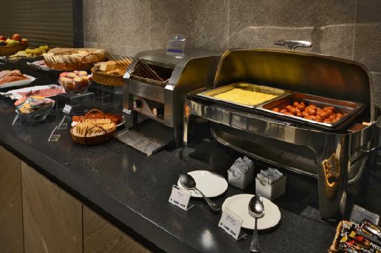 Holiday Inn Express Iquique: Buffet breakfast
