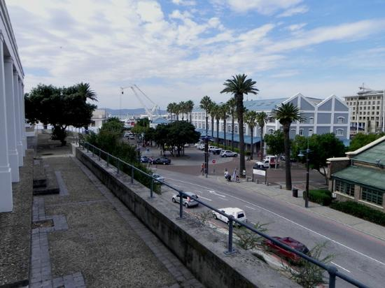 Queen Victoria Hotel & Manor House: View towards V & A Waterfront