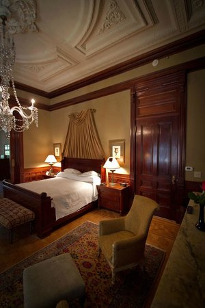 Wentworth Mansion : Master Suite Bedroom