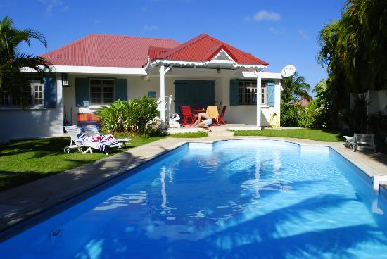 Gîtes Mangoplaya : Grande piscine