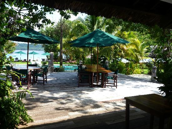 Bokissa Private Island Resort: Casaul dining
