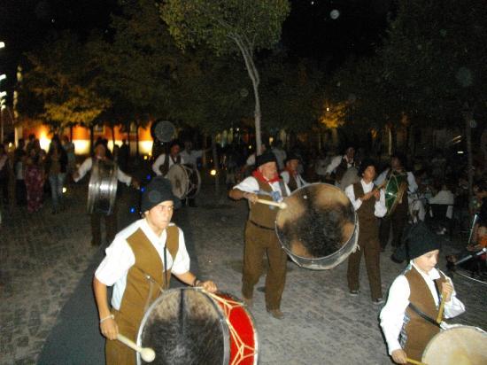 Hotel Dom Jorge De Lencastre: I tipici suonatori di tamburo di Grandola