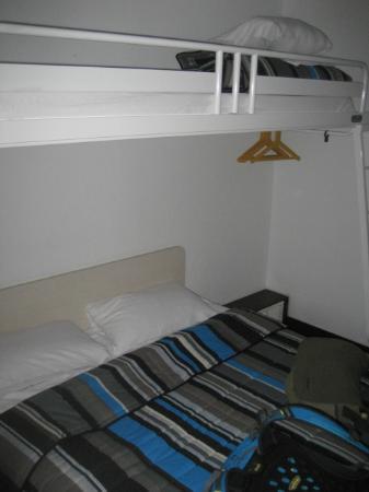 HotelF1 Paris Porte de Montreuil: Parte de la habitación