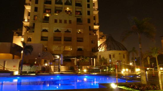 Arjaan by Rotana: Pool