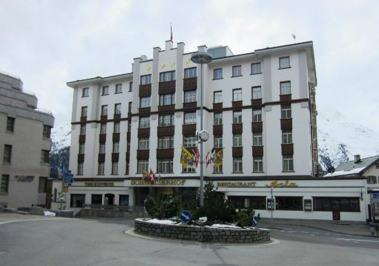 Hotel Schweizerhof: The Schweizerhof Hotel (front)