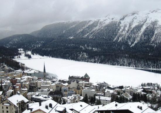 Hotel Schweizerhof: Lake view