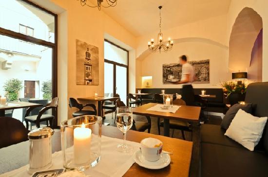 Cisa Restaurant: Restaurant / Cafe