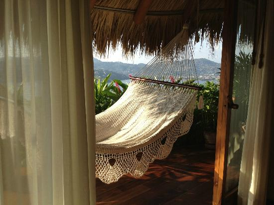 Amuleto: Hammock in Suite 1