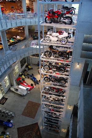 Barber vintage motorsports museum birmingham all you for Appoggiarsi all aggiunta al garage