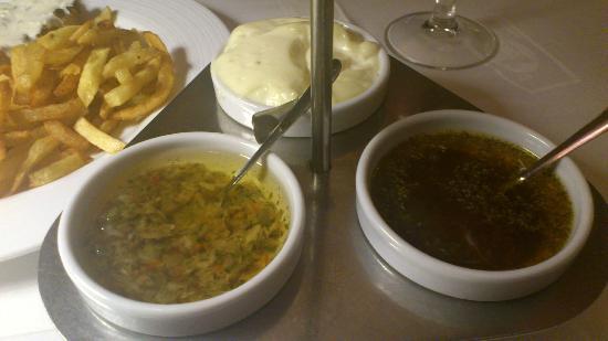 El Boliche del Gordo Cabrera: Salsa vinagreta, con orégano y allioli