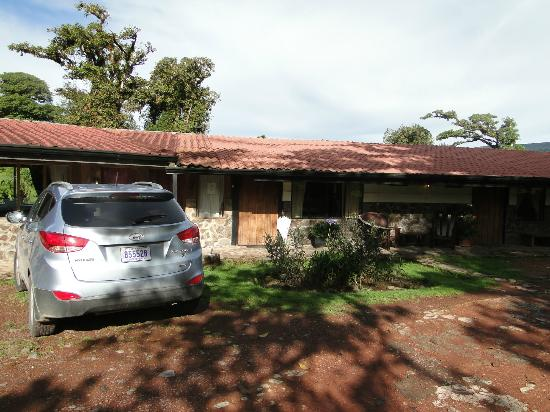 Poas Volcano Lodge: Habitaciones del establo