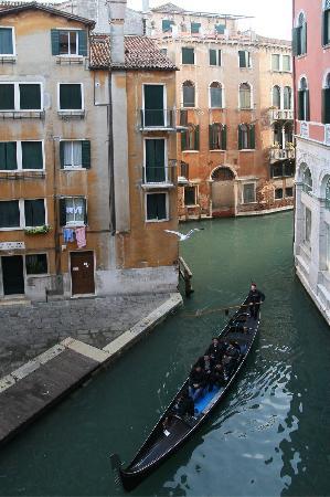 Palace Bonvecchiati: Vue sur le canal