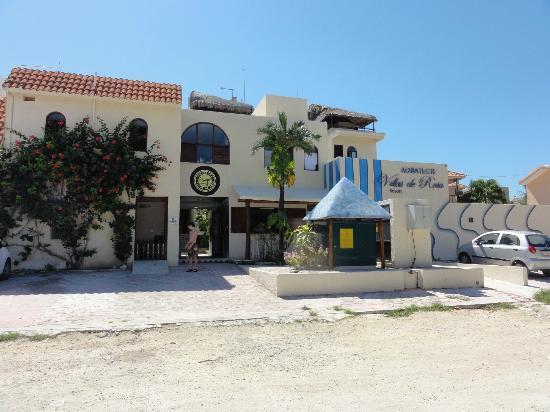 Villas DeRosa Beach Resort: Front of complex