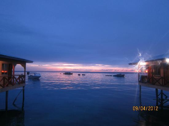 Arung Hayat Sea Adventures : Sunset