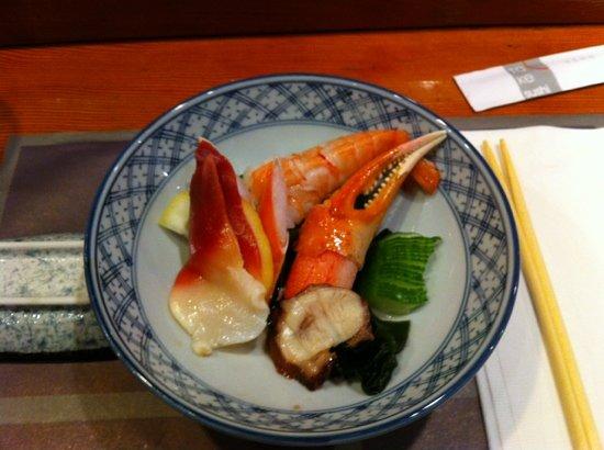 Take Sushi Restaurant : sunomono salad