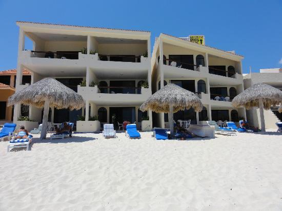 Villas DeRosa Beach Resort: Back of complex - beachside