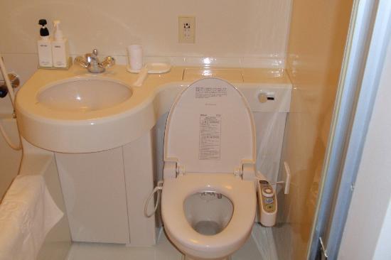 Shinsayama Daiichi Hotel : Bathroom, heated toilet seat