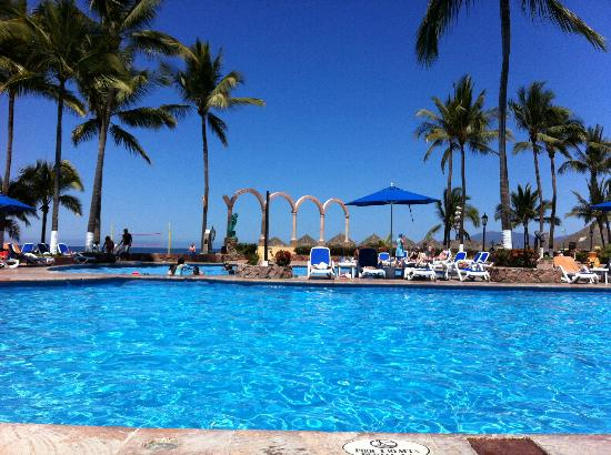 Occidental Nuevo Vallarta: View from lounger at the pool area