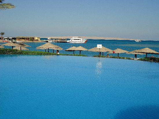 Beach Pool Picture Of Royal Orchid Beach Resort Spa Goa Utorda