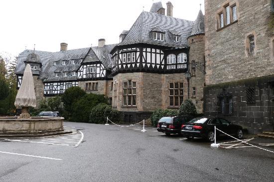 Schloss Hotel Kronberg: hotel