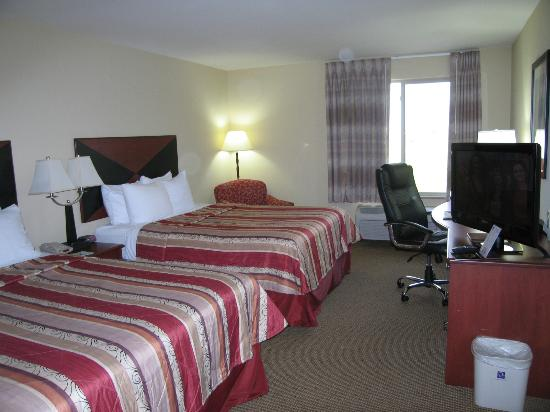 Sleep Inn & Suites Madison: Room