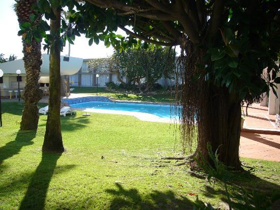 Summerstrand Hotel: Zona de la piscina desde la habitacion