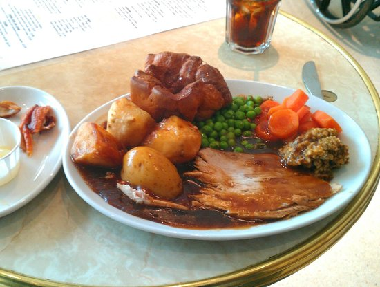 Cafe Vienna: My Roast Pork meal. Crackling and apple sauce on left