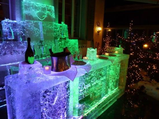 Hotel Olden: Dom Perignon ice bar
