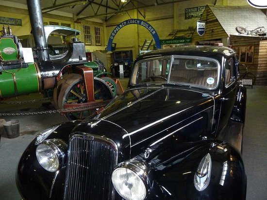 Dover Transport Museum : Inside the museum showing one of the cars and the displays