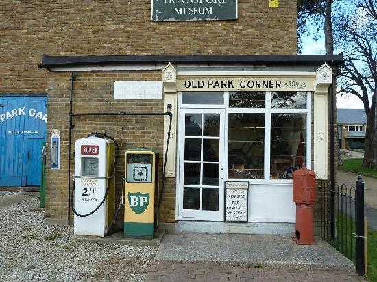 Dover Transport Museum : Outside the museum