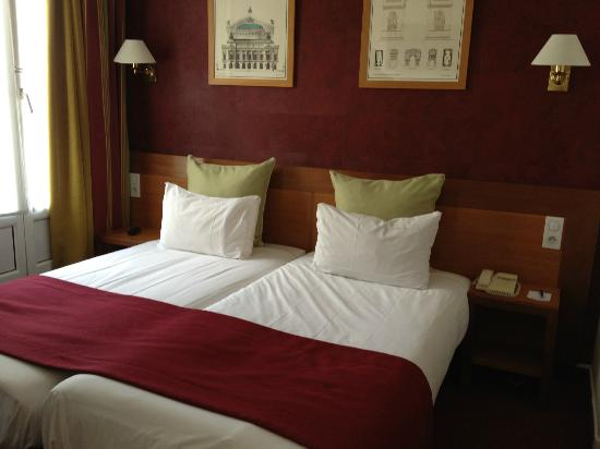 Best Western Tour Eiffel Invalides : Twin beds