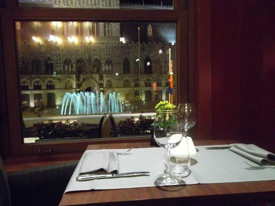 Hotel Regina: View of Cloth Hall
