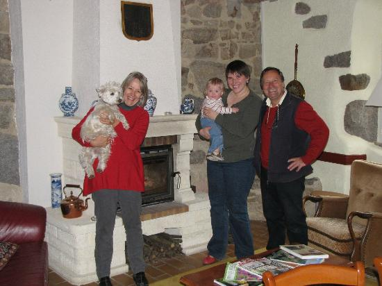 Auberge de Chabanettes: My wife and daughter with hosts Shirley and Simon