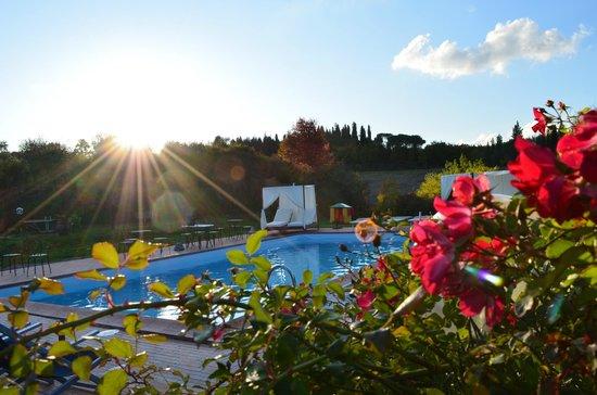 Agriturismo Podere dellAnselmo: piscina al tramonto