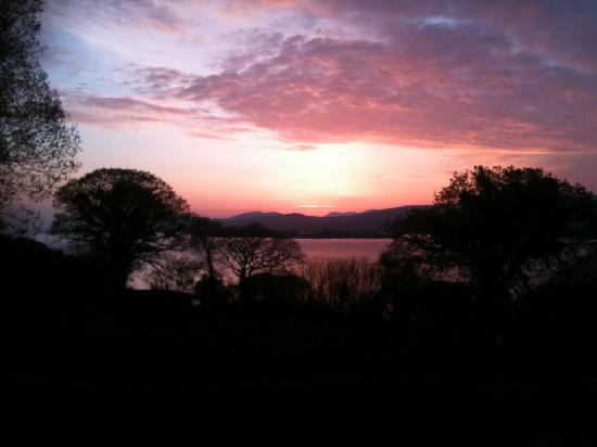 Hazelwood Bed and Breakfast: A stunning sunset from our patio