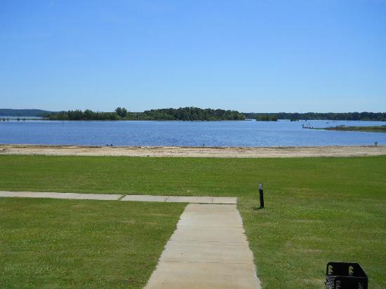 Lakepoint Resort State Park: Straight off our porch - ramps to right. Looks like it is good fishing near this island