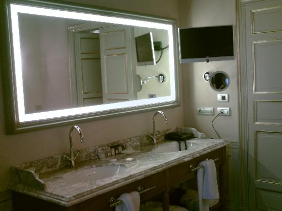 Palazzo Righini: Bathroom