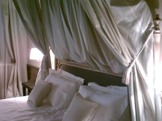 Palazzo Righini: Bed
