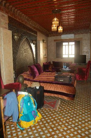 Palais de fes Dar Tazi : Suite composta da stanza matrimoniale più camera tripla. stanze comunicanti.