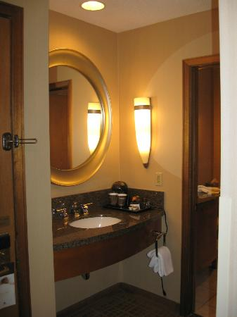DoubleTree by Hilton Durango: beautiful bathrooms