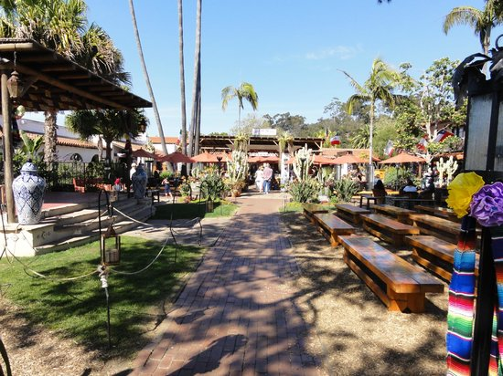 Family Restaurants Near San Diego Zoo