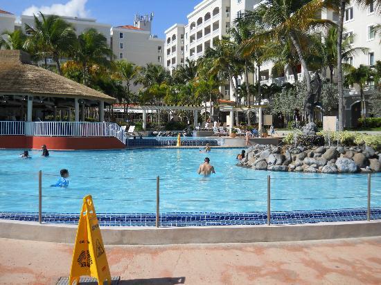 Embassy Suites by Hilton Dorado del Mar Beach Resort: pool