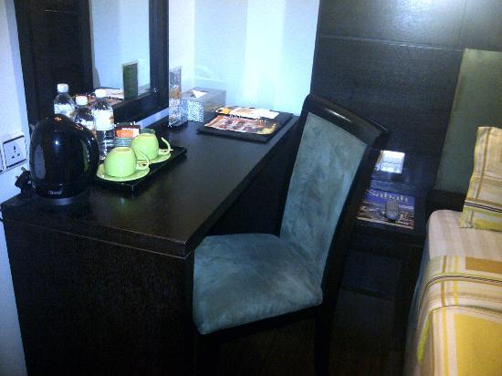 2 Inn 1 Boutique Hotel & Spa : Coffee & Tea Facilities