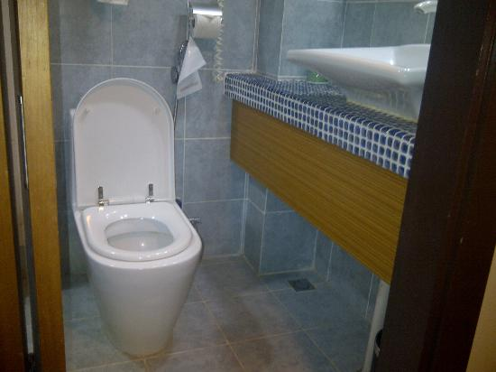 2 Inn 1 Boutique Hotel & Spa : Bathroom
