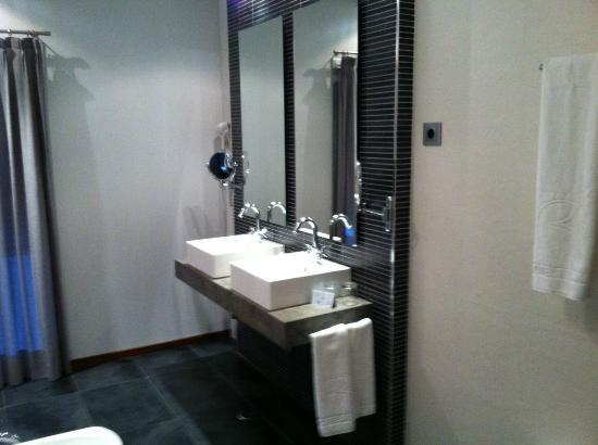 Bathroom Sinks Regina bathroom sinks - picture of hotel regina, madrid - tripadvisor